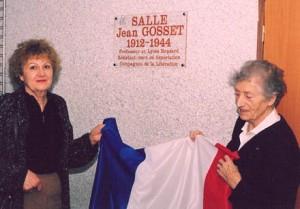 Lucie Aubrac et Danielle Rioul-Gosset à l'inauguration de la salle Jean Gosset au lycée de Vendôme - 1998