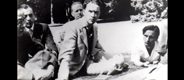 Jean Gosset lors d'une réunion d'un groupe Esprit